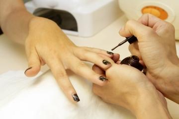 Home manicure nail soak